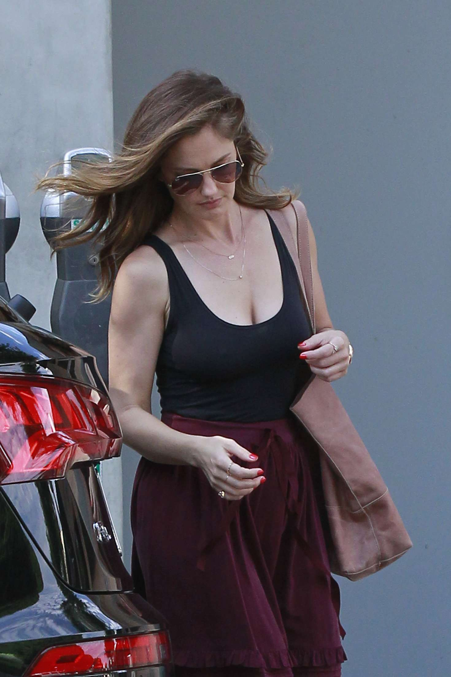 Minka Kelly at Food Lab in Los Angeles