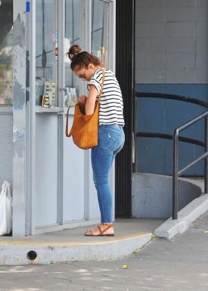 Minka Kelly in Jeans at Car wash in Sherman Oaks