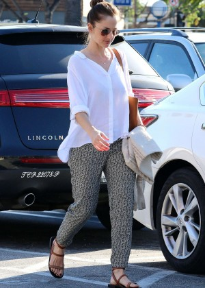 Minka Kelly - Grocery Shopping in West Hollywood