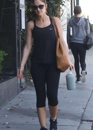 Minka Kelly heading to the gym in Hollywood