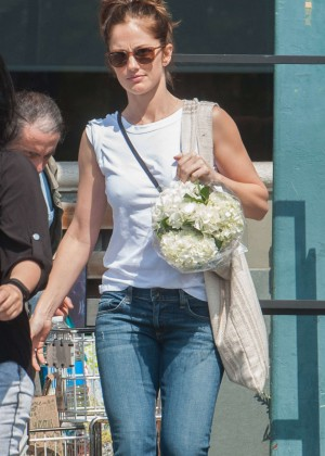 Minka Kelly in Jeans at Whole Foods in Los Angeles