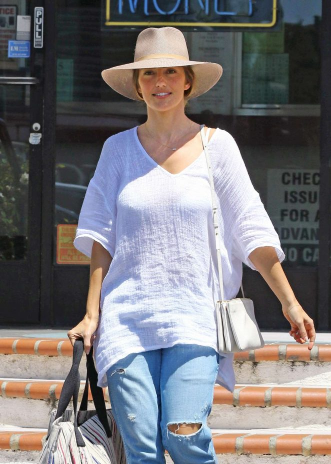 Minka Kelly - Leaves a tailors in Beverly Hills