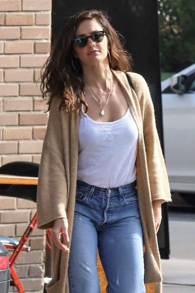 Minka Kelly - Out in Los Feliz