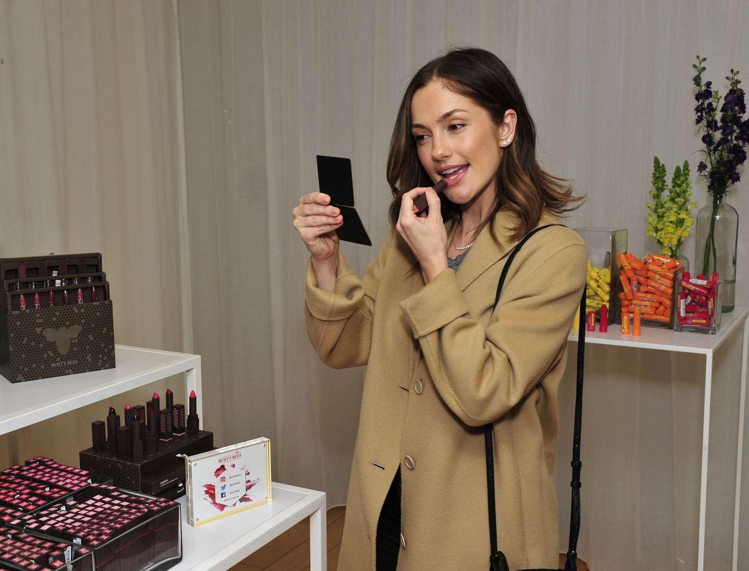 Minka Kelly 2017 : Minka Kelly: Tries Makeup in New York City -02