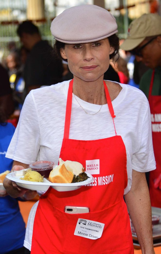 Minnie Driver – Los Angeles Mission Hosts Thanksgiving Event For The Homeless
