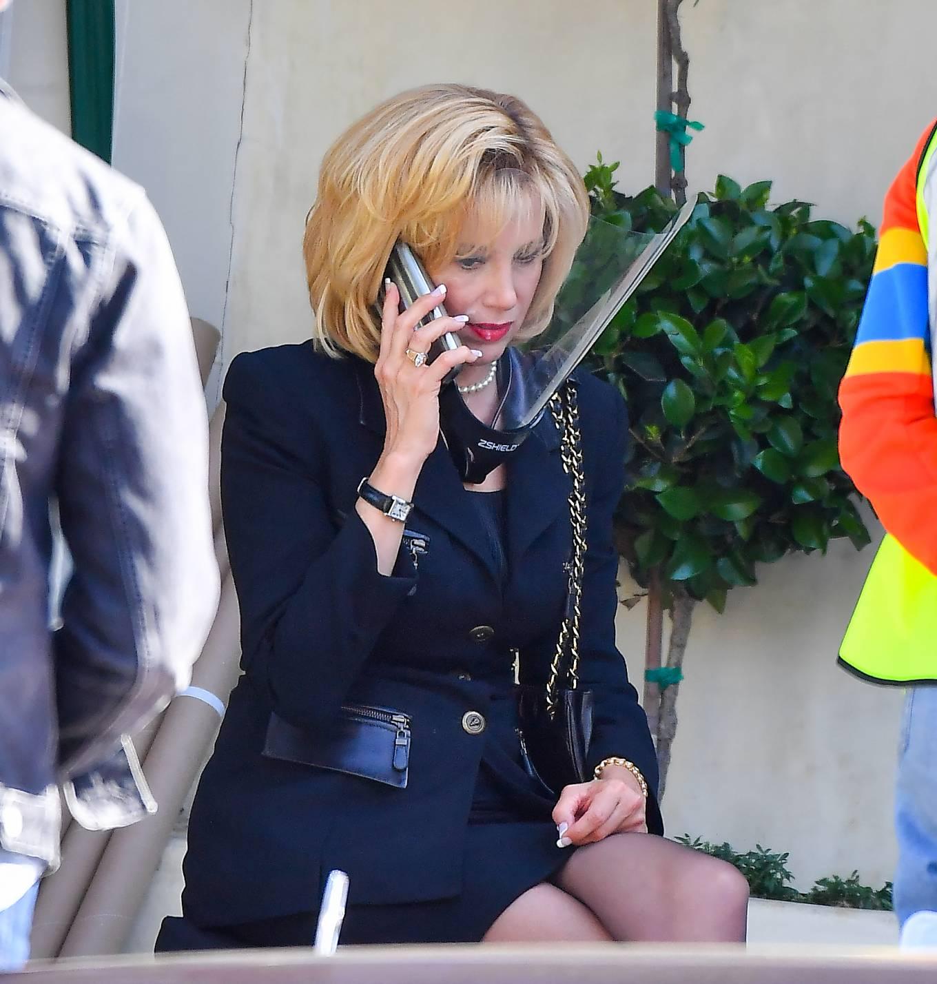 Mira Sorvino 2021 : Mira Sorvino –  on set for American Crime Story: Impeachment in Pasadena-02