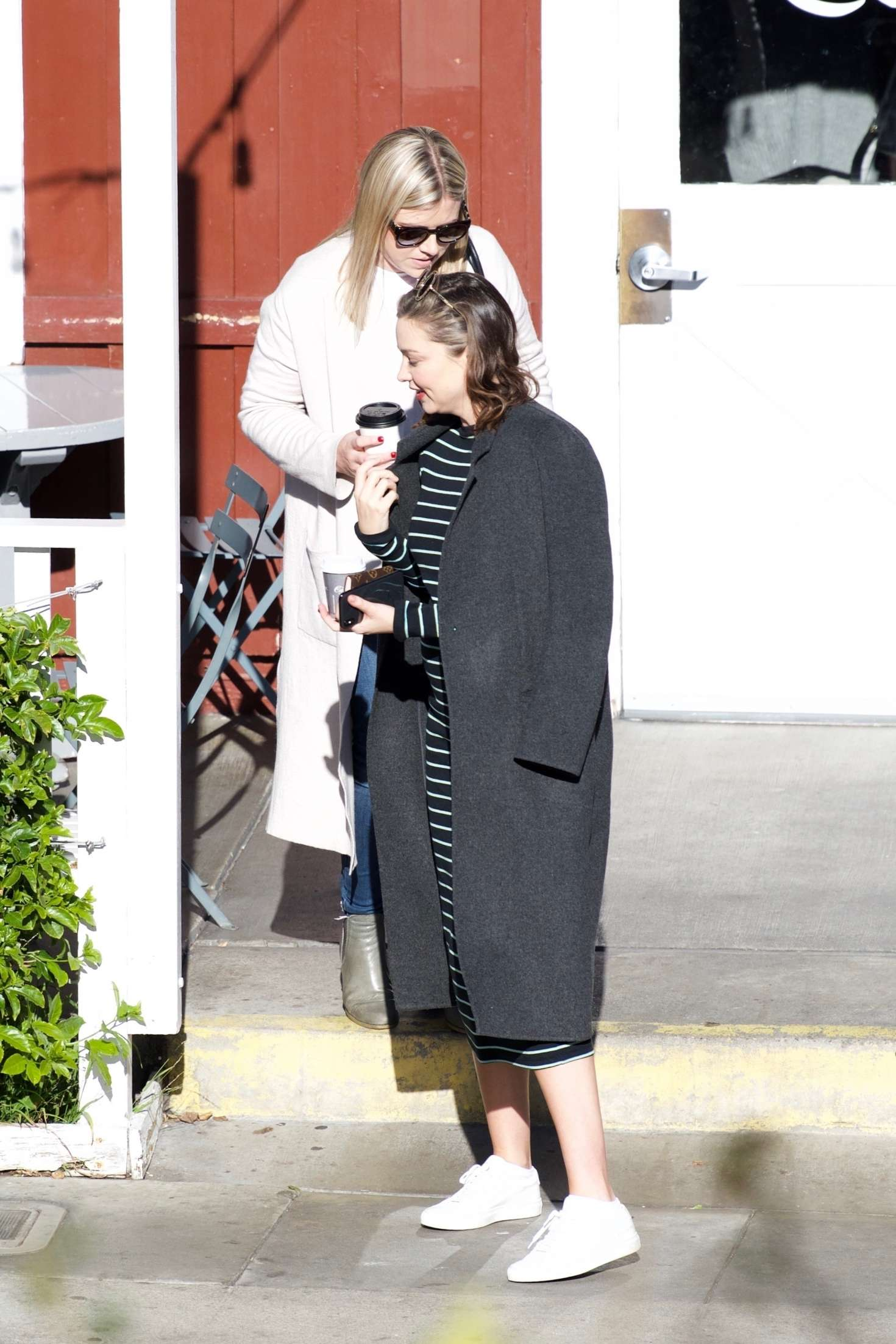 Miranda Kerr 2018 : Miranda Kerr: Grabs coffee with a friend in Brentwood -13