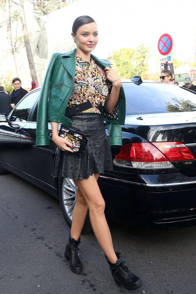 Miranda Kerr: Louis Vuitton Fashion Show -13