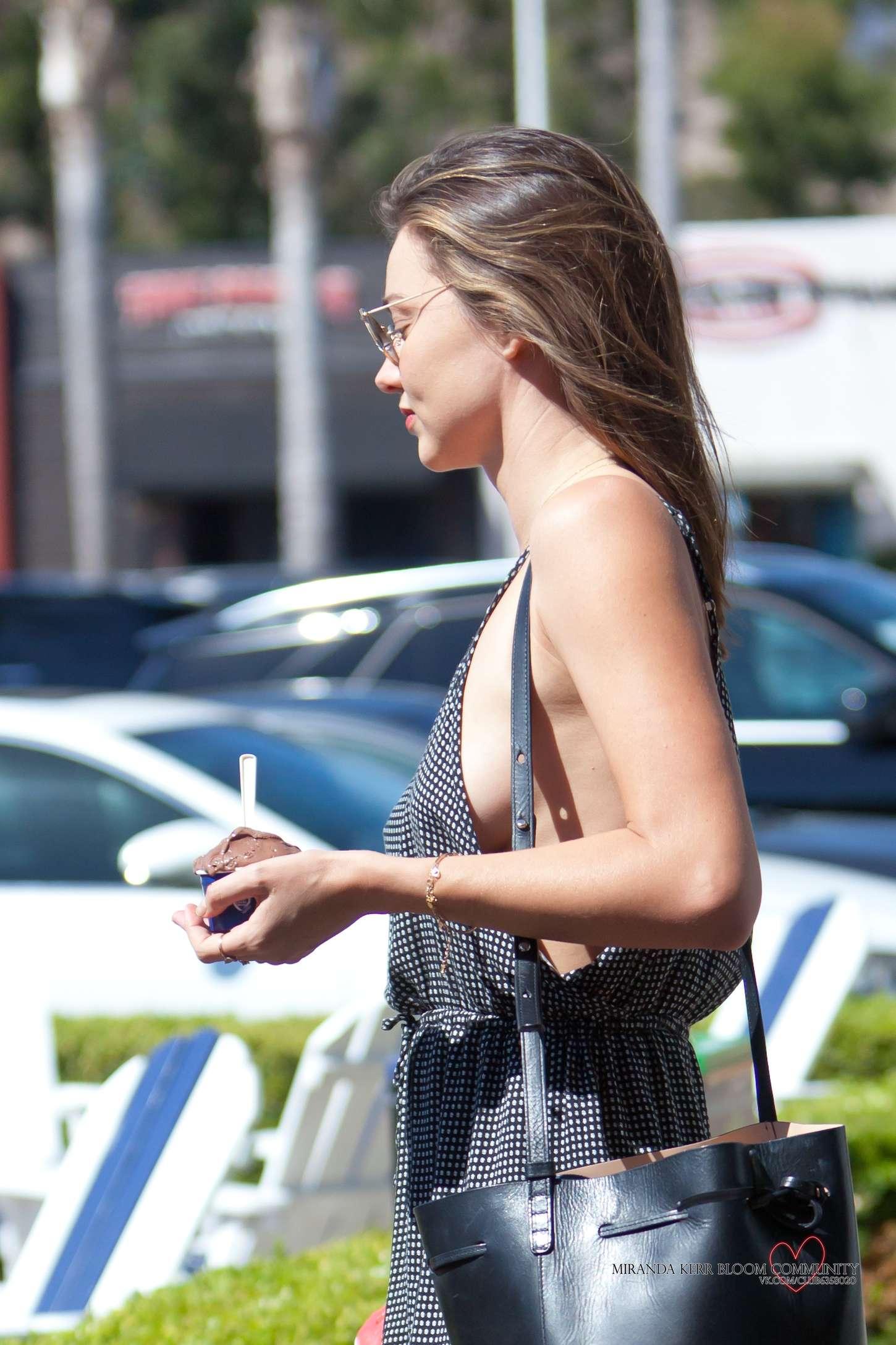 Miranda Kerr 2015 : Miranda Kerr: Out in Malibu -08