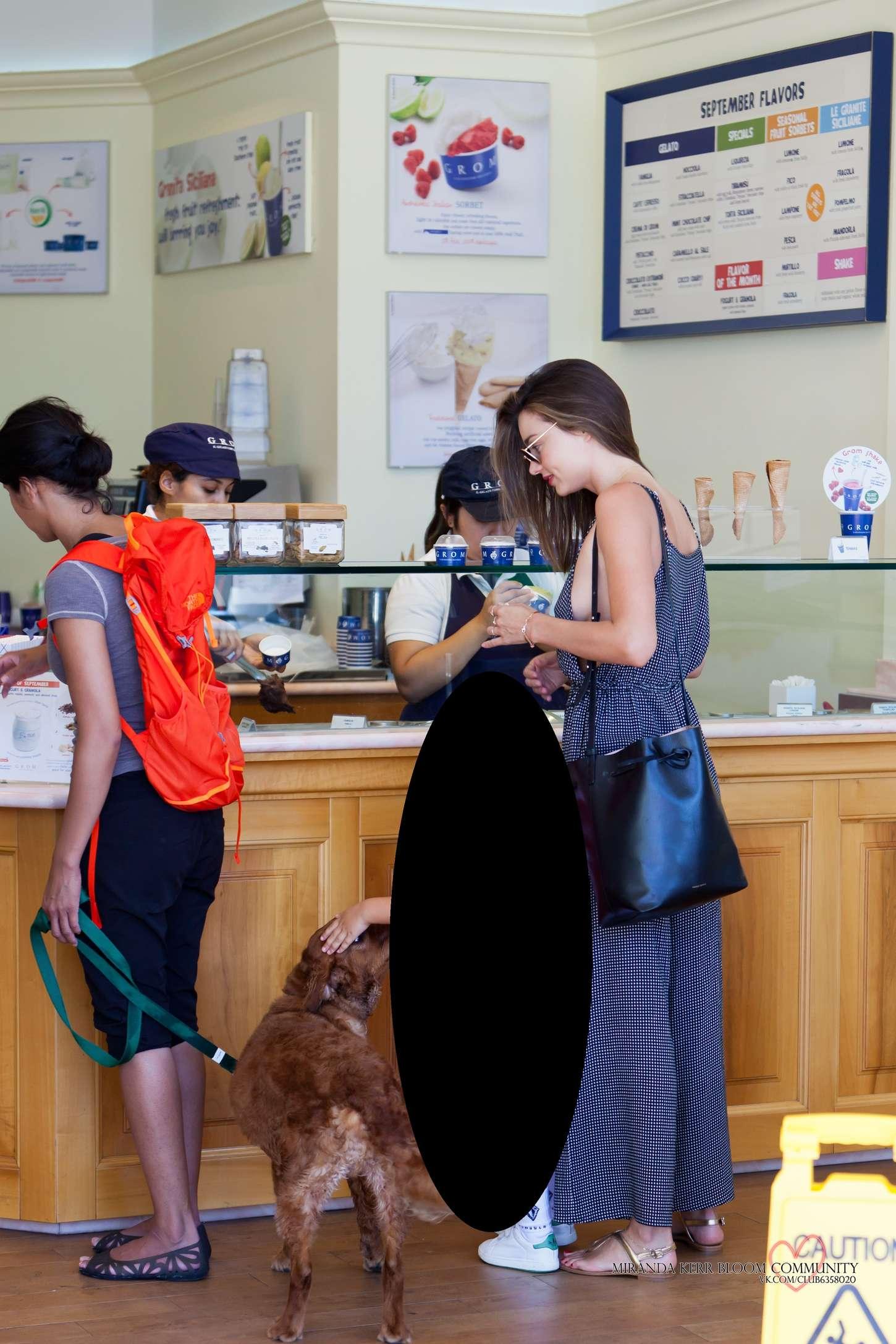 Miranda Kerr 2015 : Miranda Kerr: Out in Malibu -10