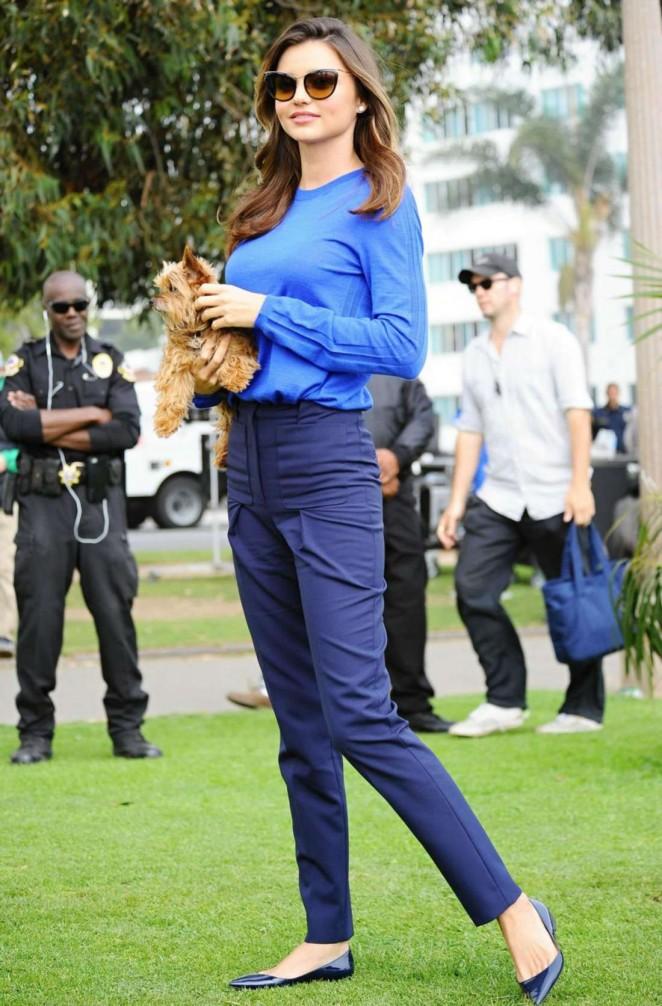 Miranda Kerr – Shooting a Commercial -04