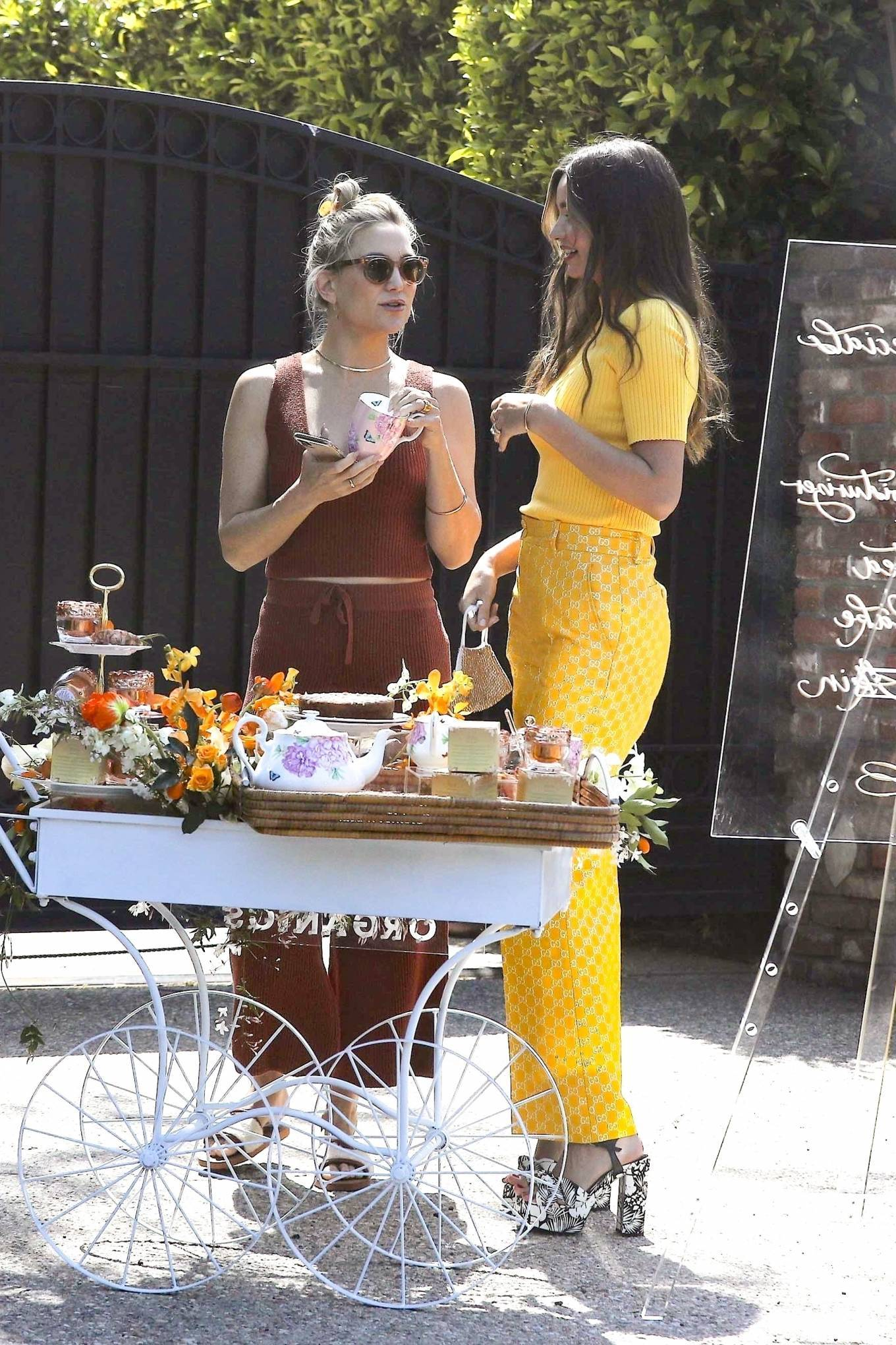 Miranda Kerr 2021 : Miranda Kerr – With Kate Hudson and Sara Foster – KORA Organics products presentation in Los Angeles-06