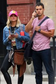 Miranda Lambert and Brendan Mcloughlin - Leaving their Manhattan Apartment
