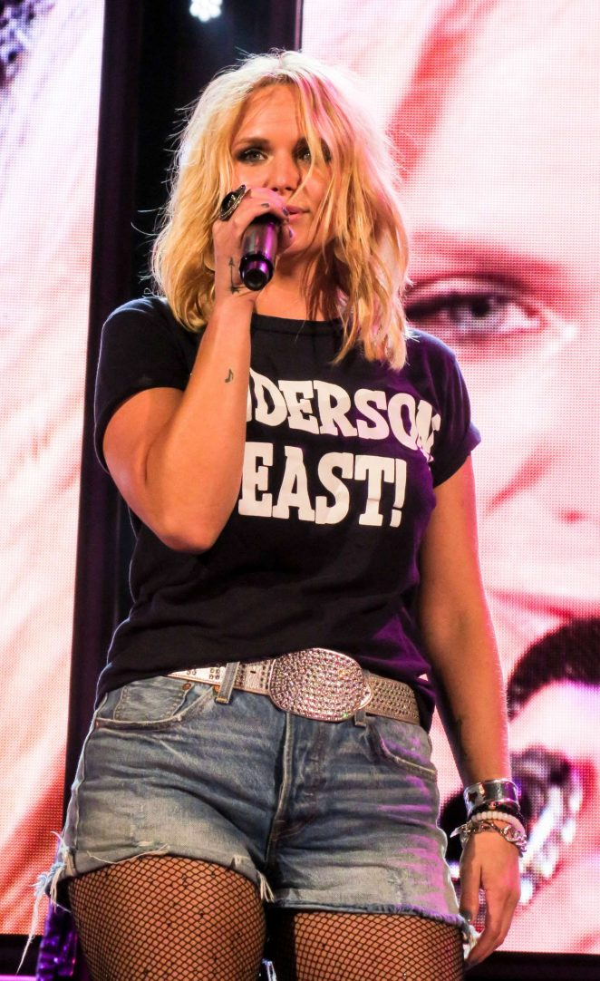 Miranda Lambert - Keeper of the Flame 2016 Tour in Irvine