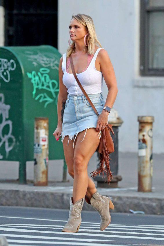 Miranda Lambert - Out for dinner in NYC