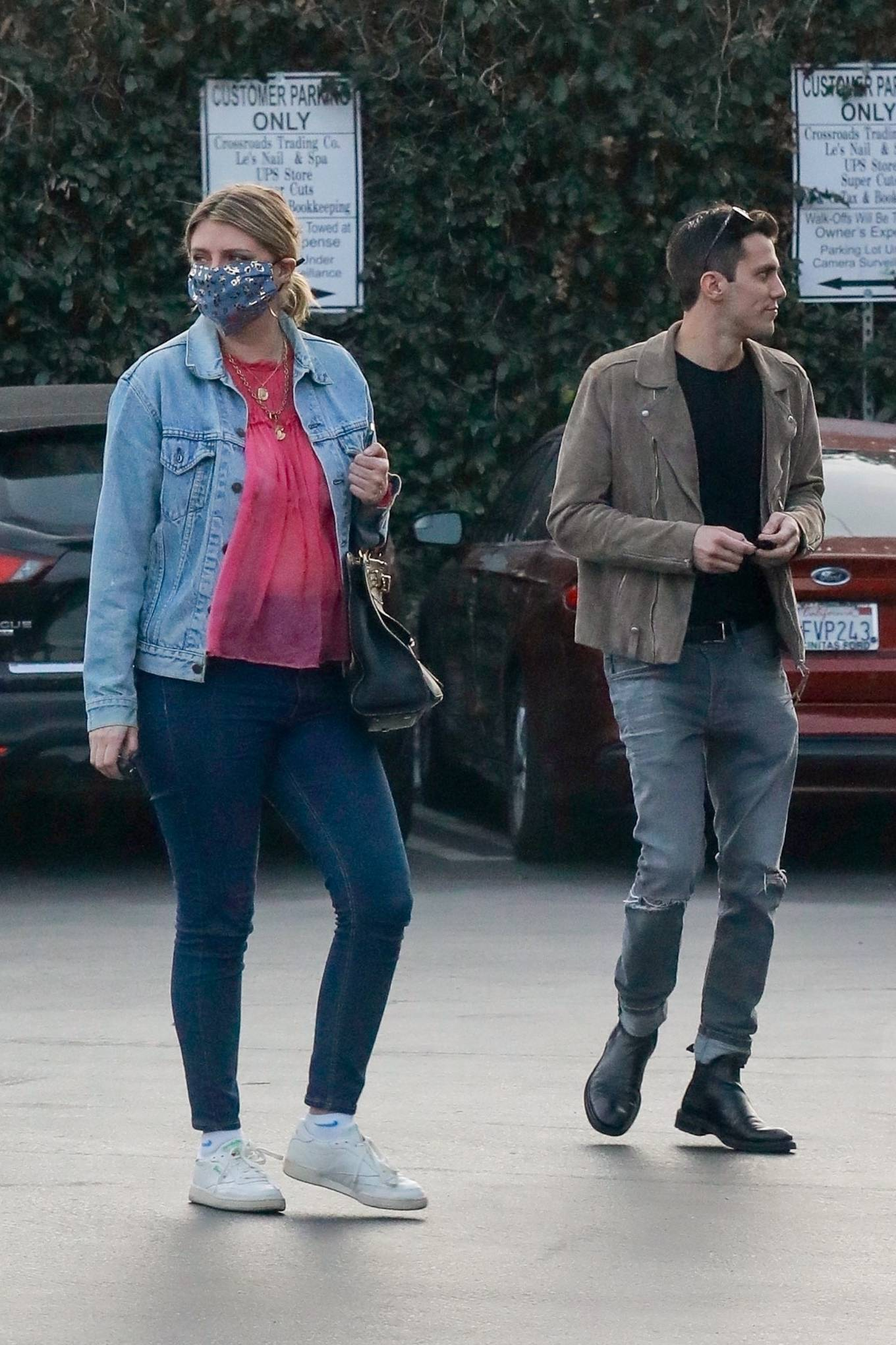Mischa Barton 2020 : Mischa Barton – And her boyfriend Gian Marco Flamini at Tomato Pie Pizza Joint in Los Angeles -09
