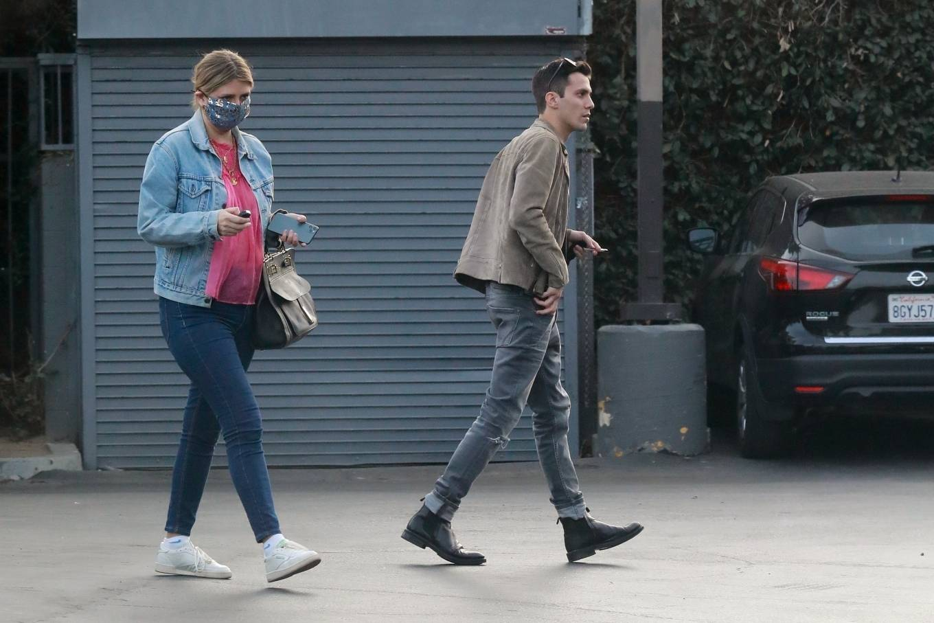 Mischa Barton 2020 : Mischa Barton – And her boyfriend Gian Marco Flamini at Tomato Pie Pizza Joint in Los Angeles -10