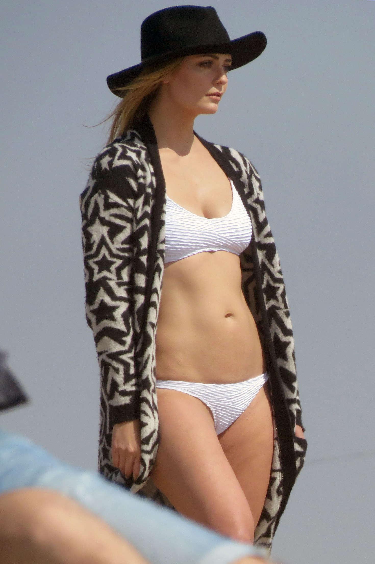 Jeans look bikini panty wetting - 2 2
