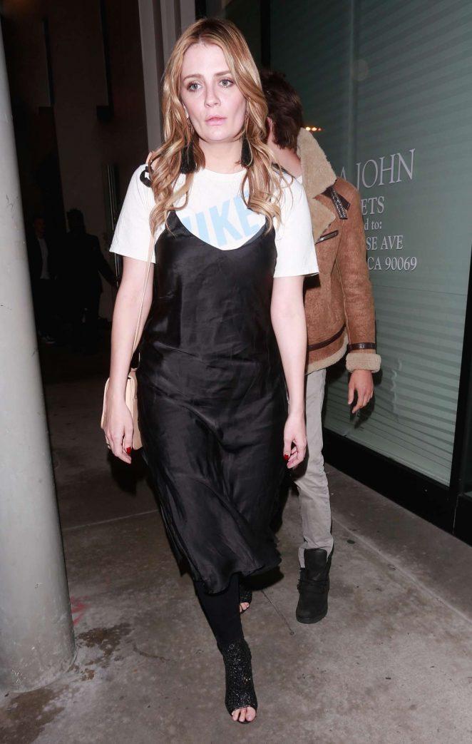 Mischa Barton - Leaving dinner with James Abercrombie in LA