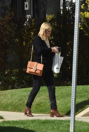 Mischa Barton - Out in Los Angeles