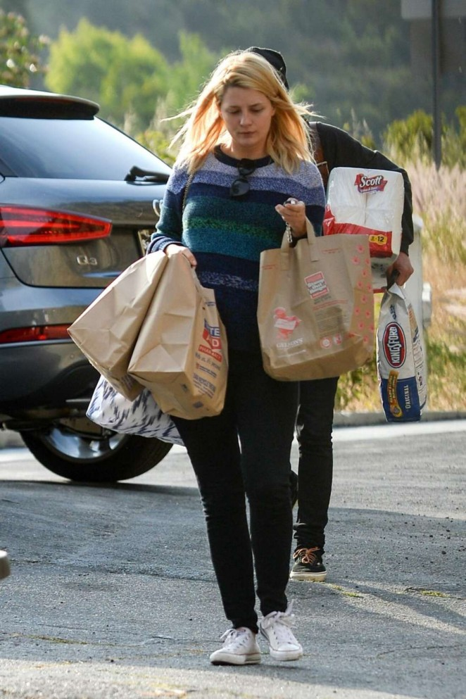 Mischa Barton - Shopping at a Rite Aid Store in Los Angeles