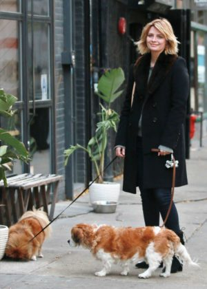 Mischa Barton - Walking her Dogs in Manhattan
