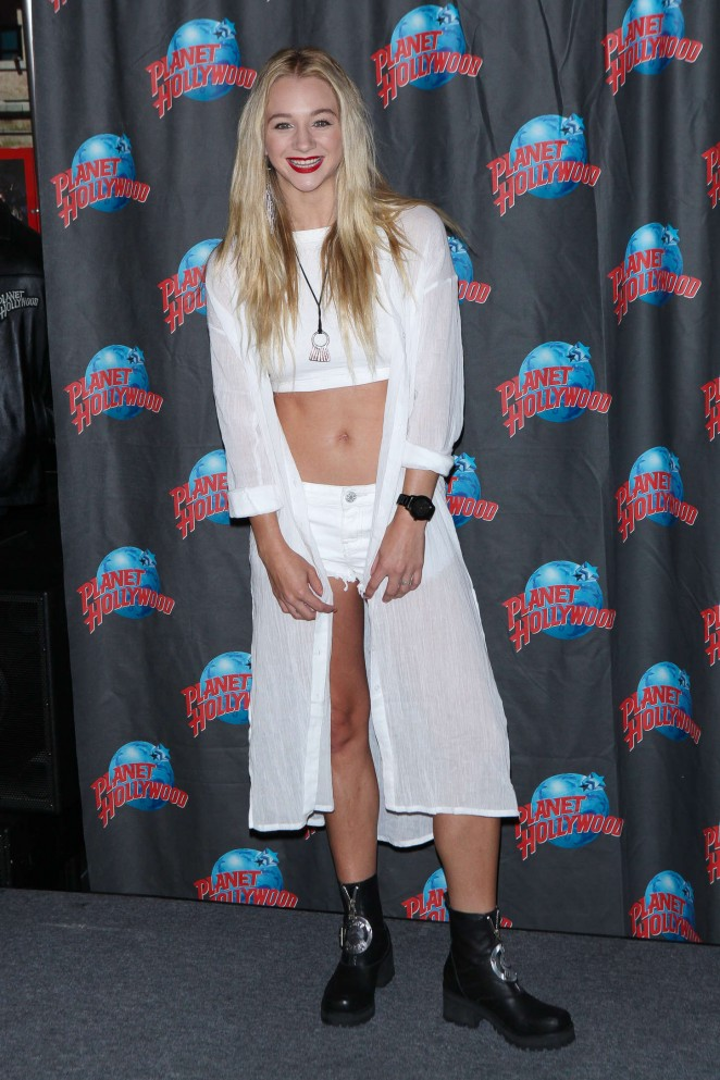 Mollee Gray: Planet Hollywood Times Square -12