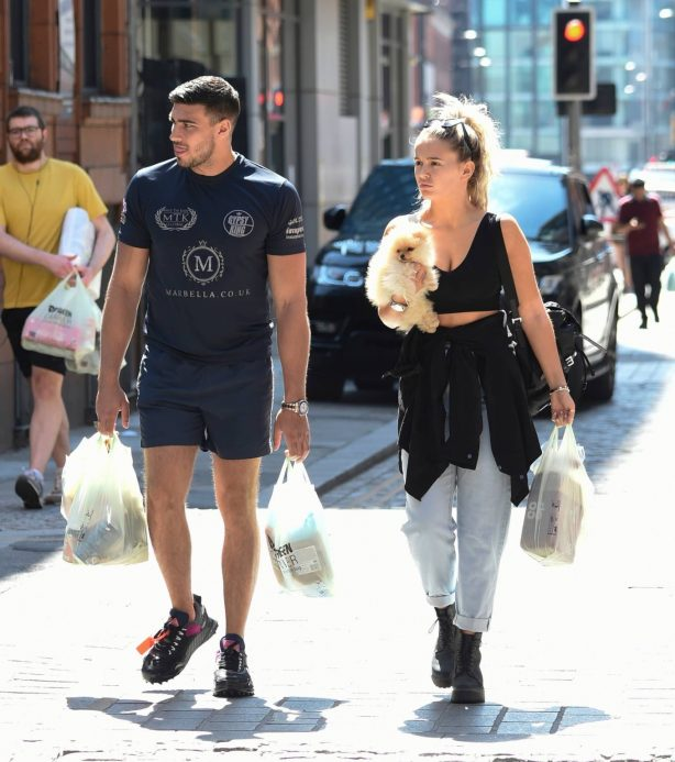 Molly Mae Hague - Enjoys a walk with boyfriend Tommy Fury in Manchester