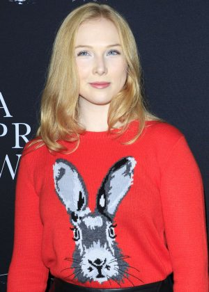 Molly Quinn - 'A Private War' Premiere in Los Angeles