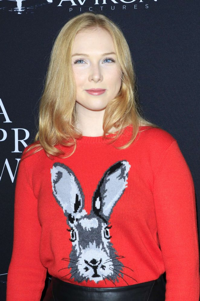 Molly Quinn – 'A Private War' Premiere in Los Angeles