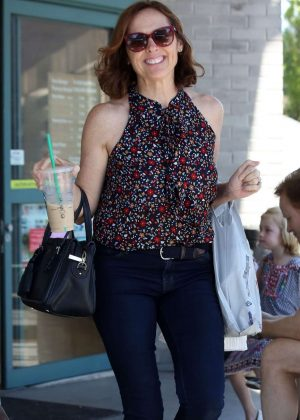 Molly Shannon - Shopping in Los Angeles