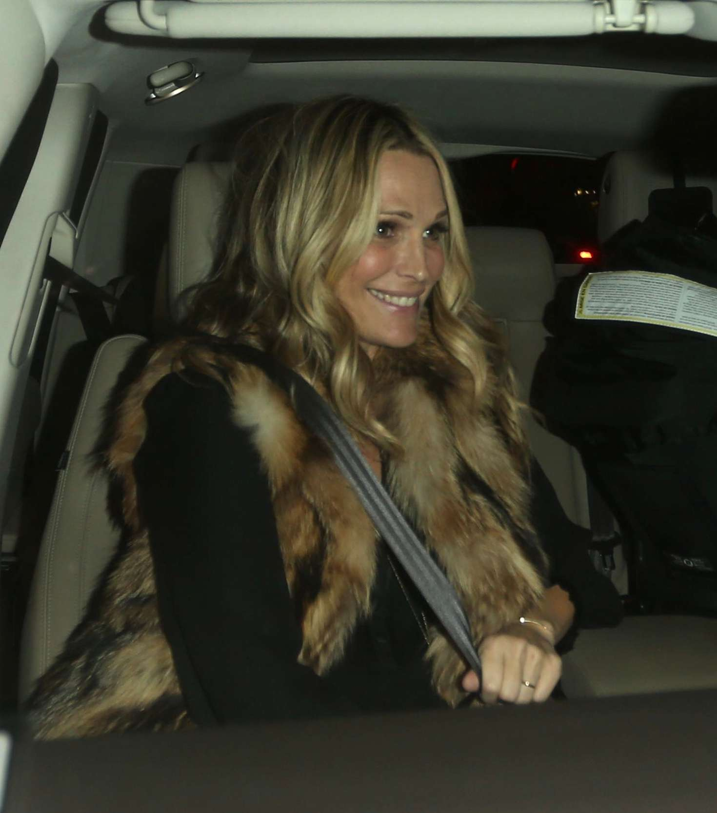 Molly Sims At Catch Restaurant 06 Gotceleb