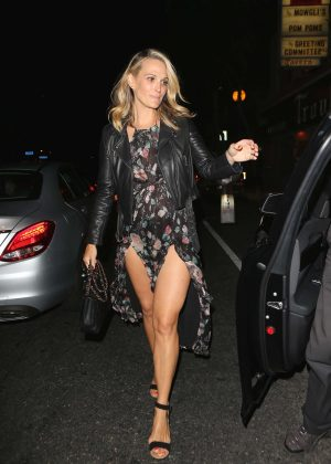 Molly Sims - Celebrates her birthday in Los Angeles