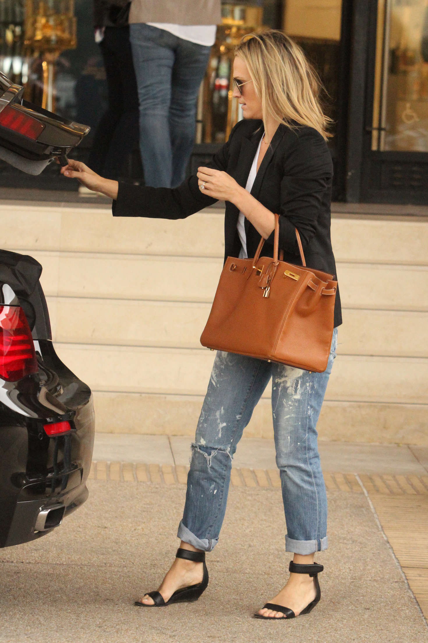 Molly Sims In Jeans Shopping To Barneys New York 03