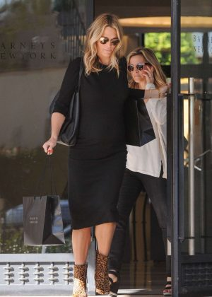 Molly Sims - Leaves Barneys New York in LA