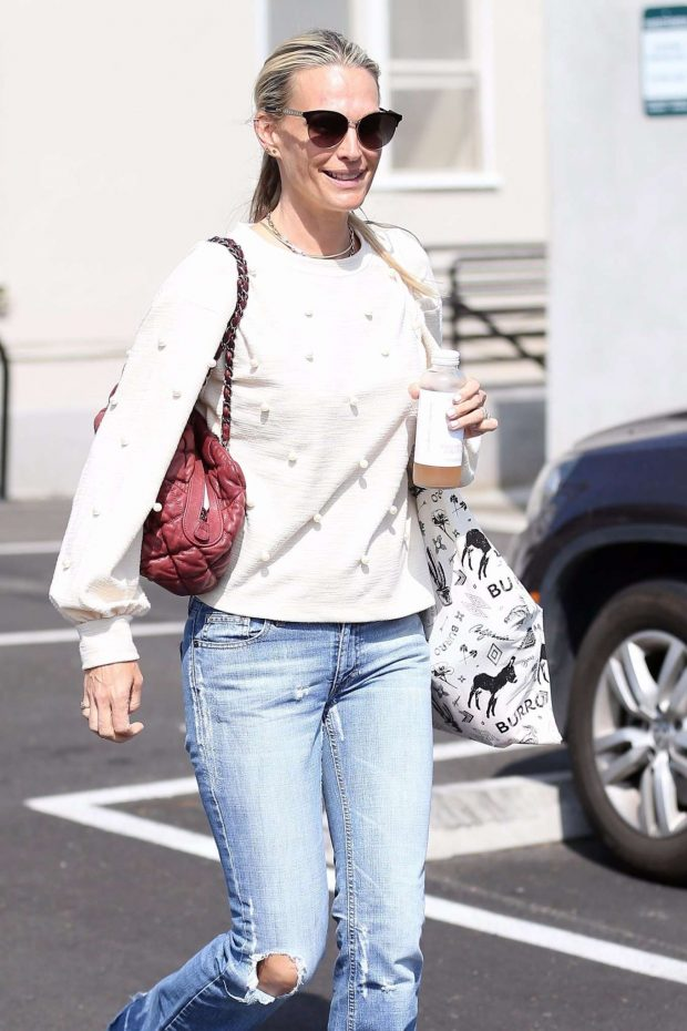 Molly Sims - Out in Los Angeles