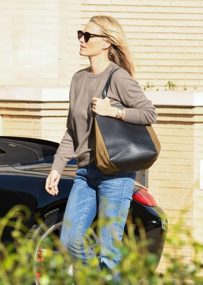 Molly Sims - Out shopping in Los Angeles