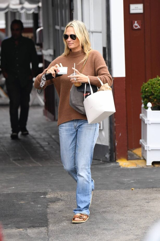 Molly Sims - Seen while out enjoying an afternoon with her family