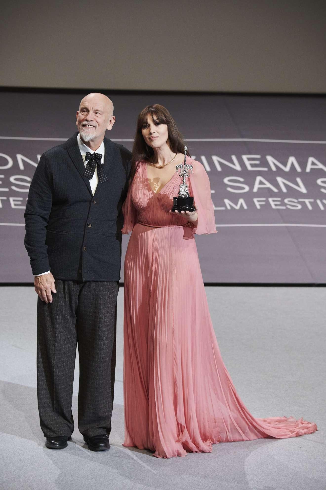 Monica Bellucci 2017 : Monica Bellucci: Donostia Award 2017 San Sebastian Film Festival-05