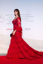 Monica Bellucci - In Red dress at 'Irreversible – Inversion Integrale' Premiere