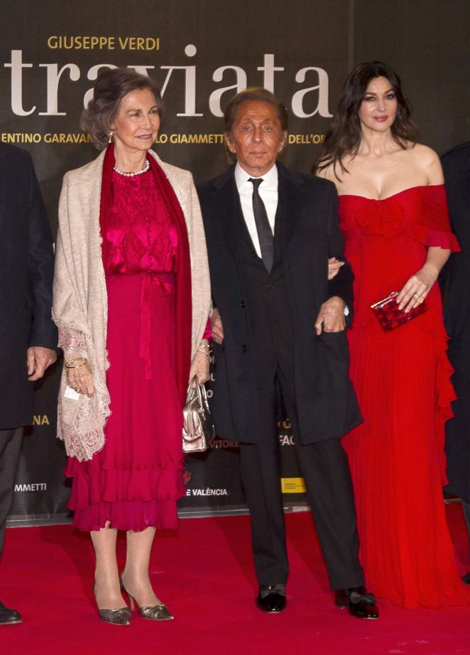Monica Bellucci: La Traviata opera opening night -05