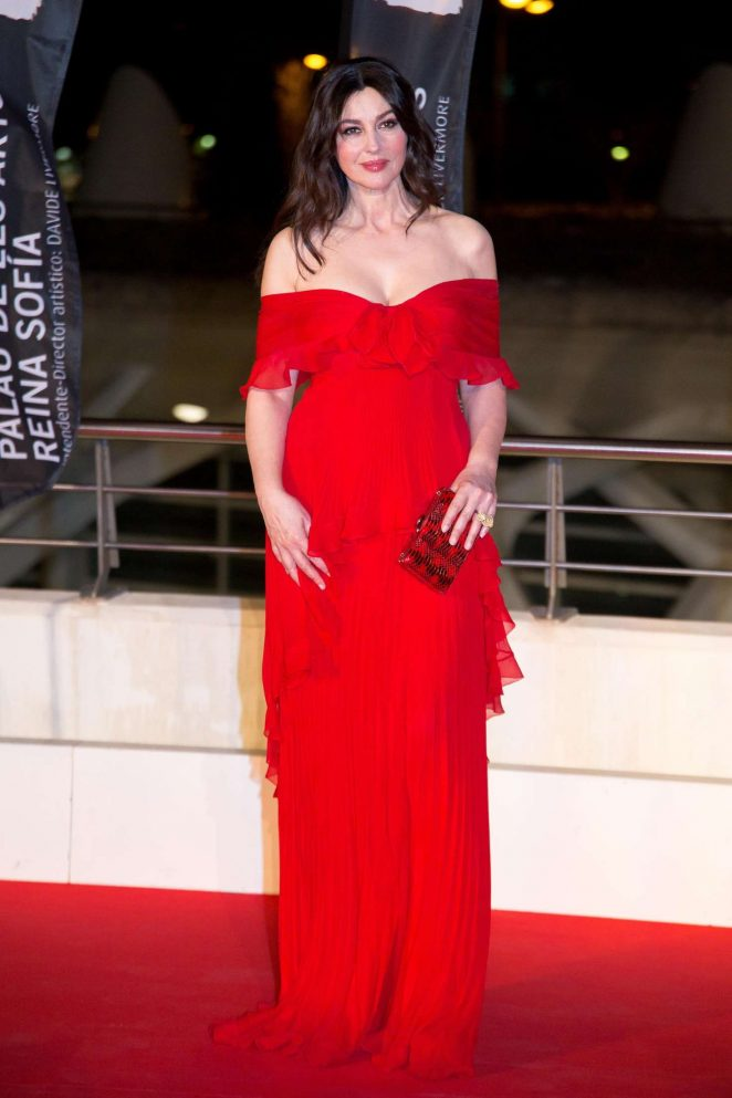Monica Bellucci: La Traviata opera opening night -06