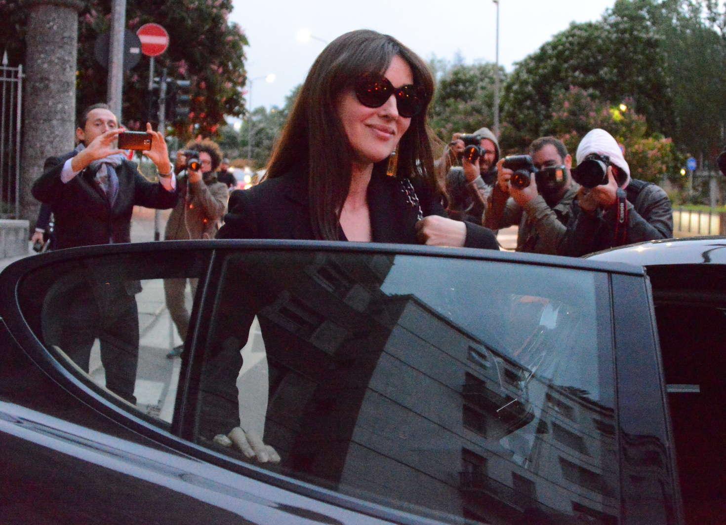 Monica Bellucci 2016 : Monica Bellucci out in Milan -01