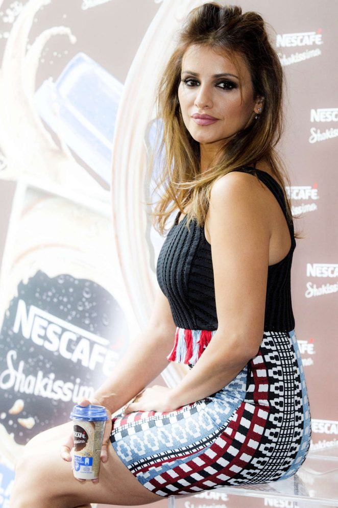 Monica Cruz - Nescafe Shakissimo Photocall in Madrid