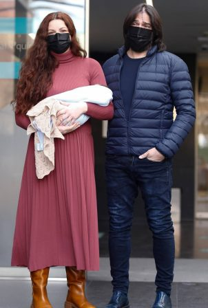 Monica Moreno - Out with her second child Andrea in Madrid