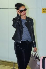 Morena Baccarin - Spotted at at Guarulhos International Aiport in Sao Paulo