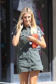 Morgan Stewart - Seen while shopping in Beverly Hills