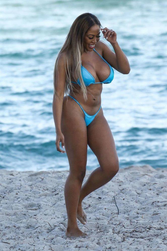 Moriah Mills 2017 : Moriah Mills in Bikini: Photoshoot -03
