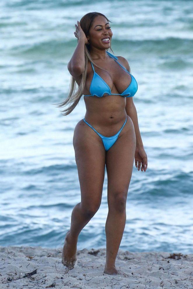 Moriah Mills 2017 : Moriah Mills in Bikini: Photoshoot -04