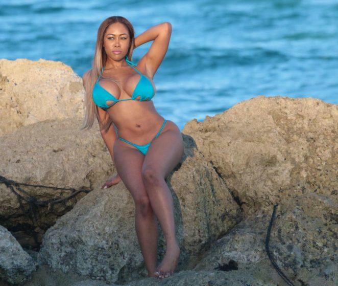Moriah Mills 2017 : Moriah Mills in Bikini: Photoshoot -08